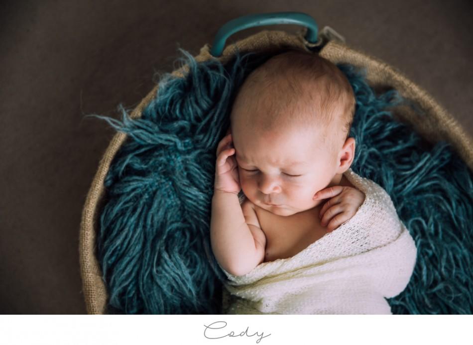 Cody – Natürliche Neugeborenenfotografie in Bremen