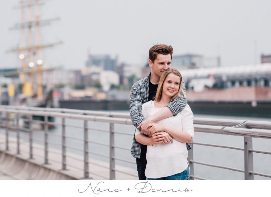 Urban Lovestory – Natürliche Paarfotos in der Überseestadt Bremen