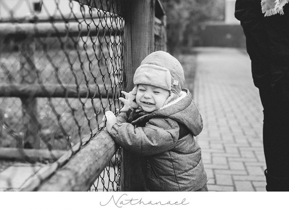 Kleiner Entdecker – Natürliche Kinderfotos in Bremen