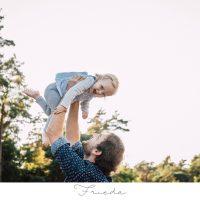 Frieda – Natürliche Familienfotos in Verden