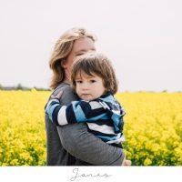 Jonas – Natürliche Familienfotos in Bremervörde