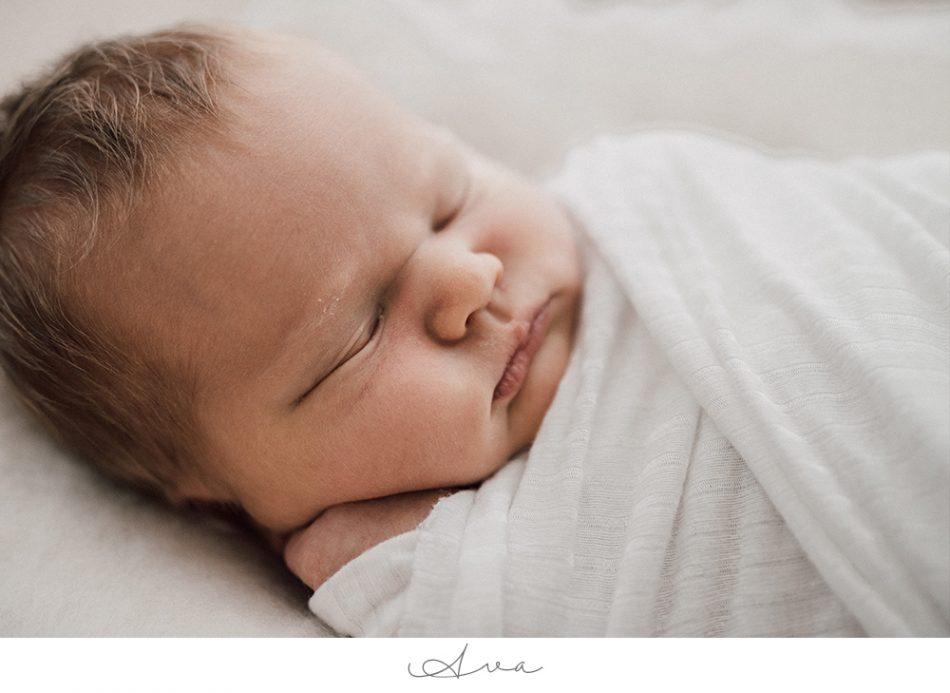 Ava – Natürliche Neugeborenenfotos in Bremen